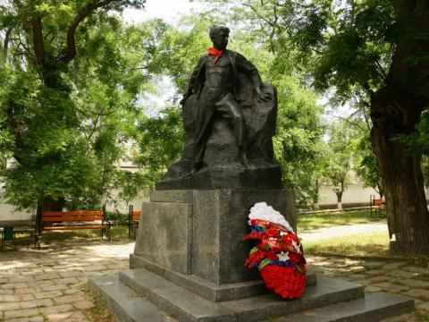 Памятник Вите Коробкову Феодосия